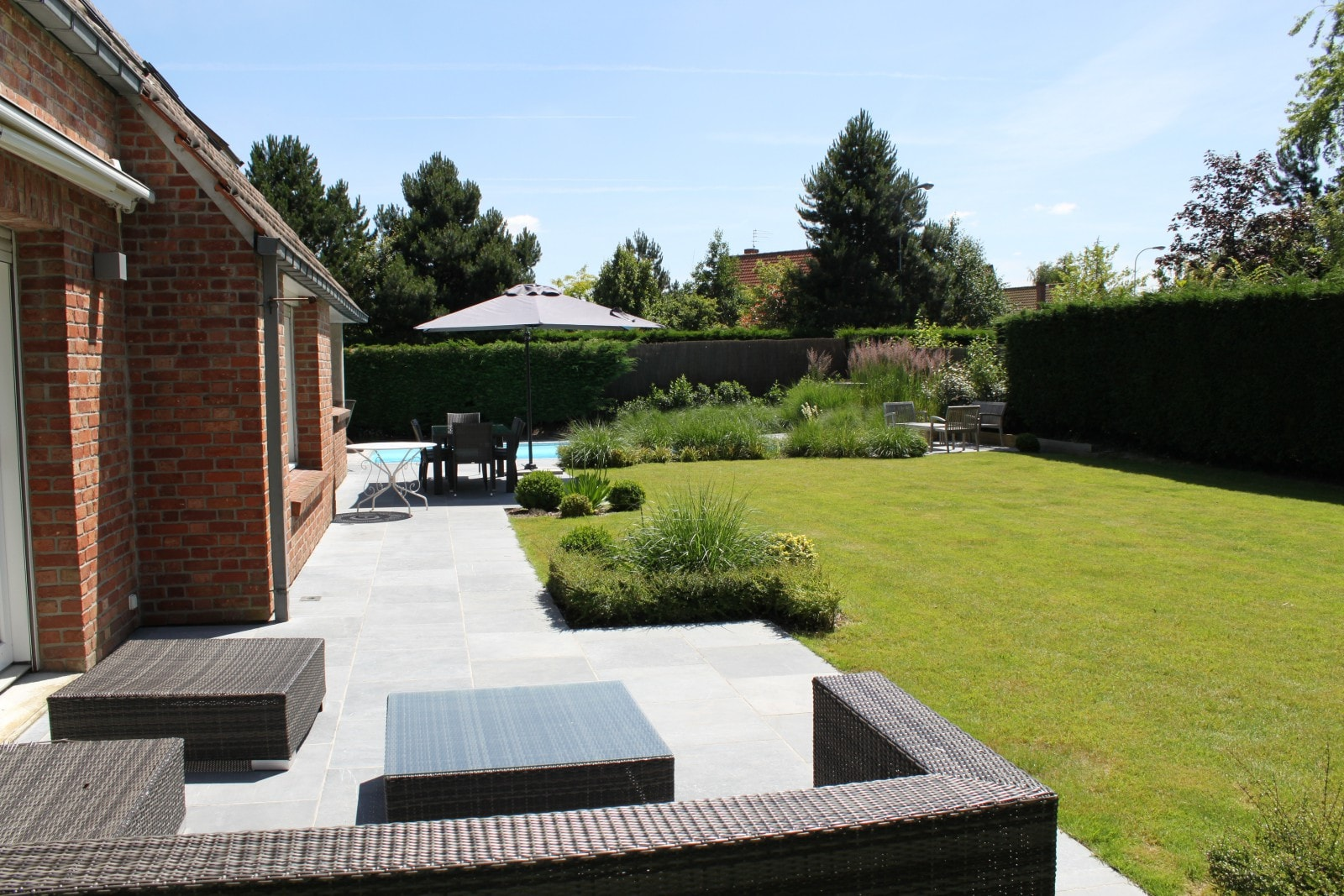 Margelle piscine contemporaine aulnay sous bois 1227 for Aulnay sous bois piscine