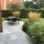 Am nagement d 39 une terrasse en pierre bleue et plantations for Entretien jardin wasquehal