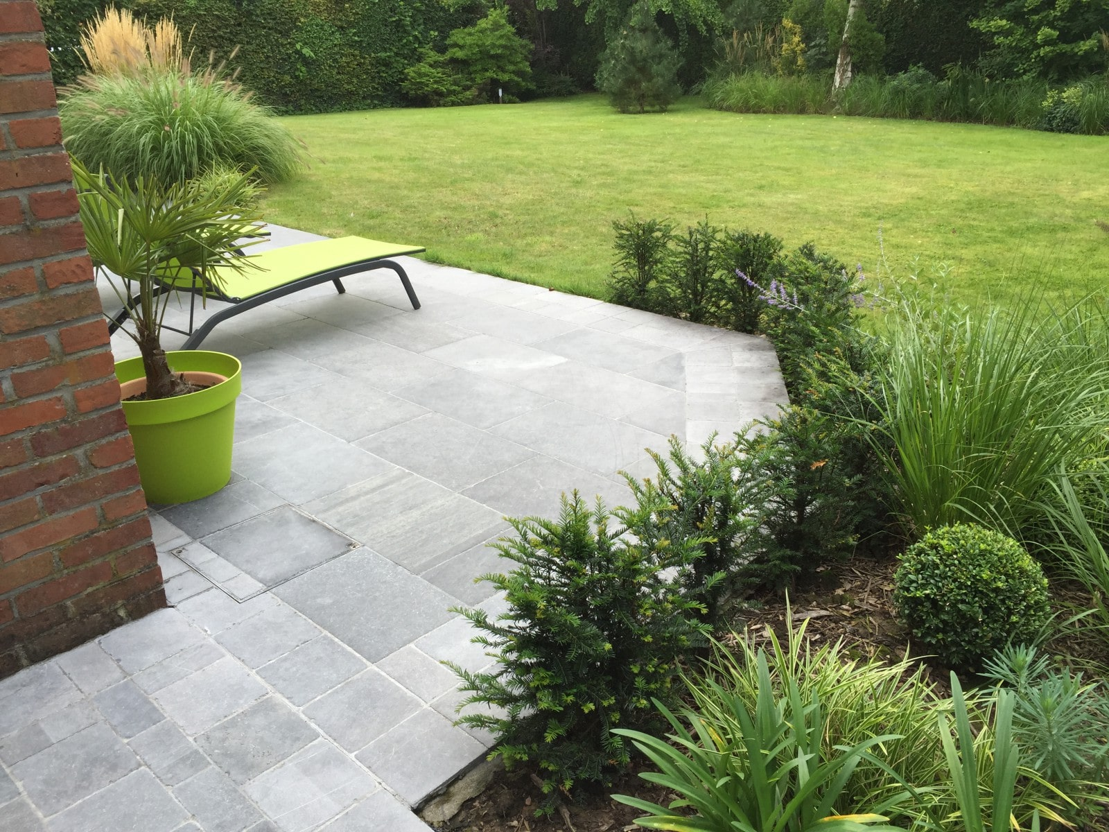 Aménagement terrasse en pierre, bois, briques ou béton  Home