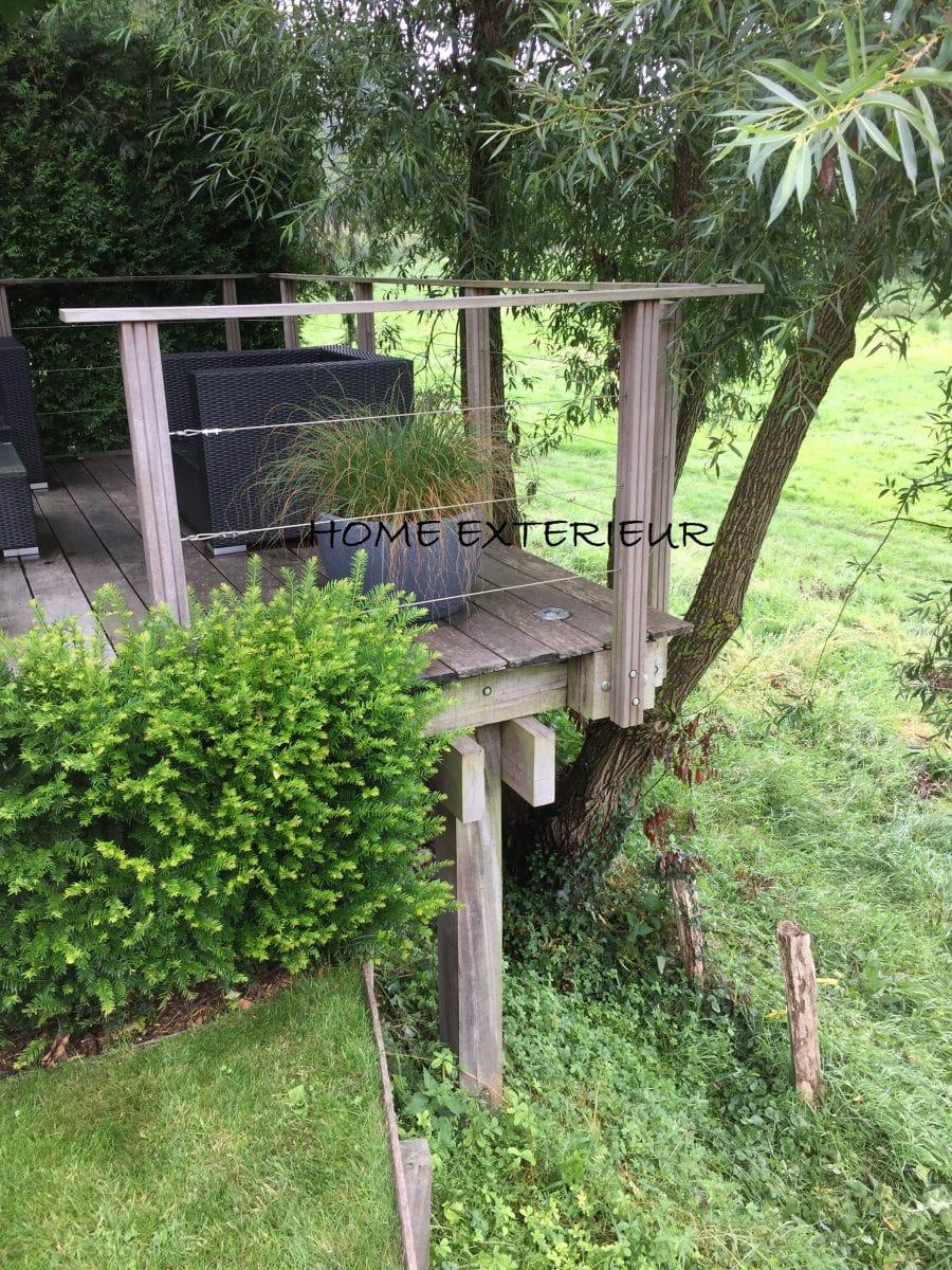 Am nagement d 39 une terrasse suspendue en bois exotique for Amenagement jardin bruxelles
