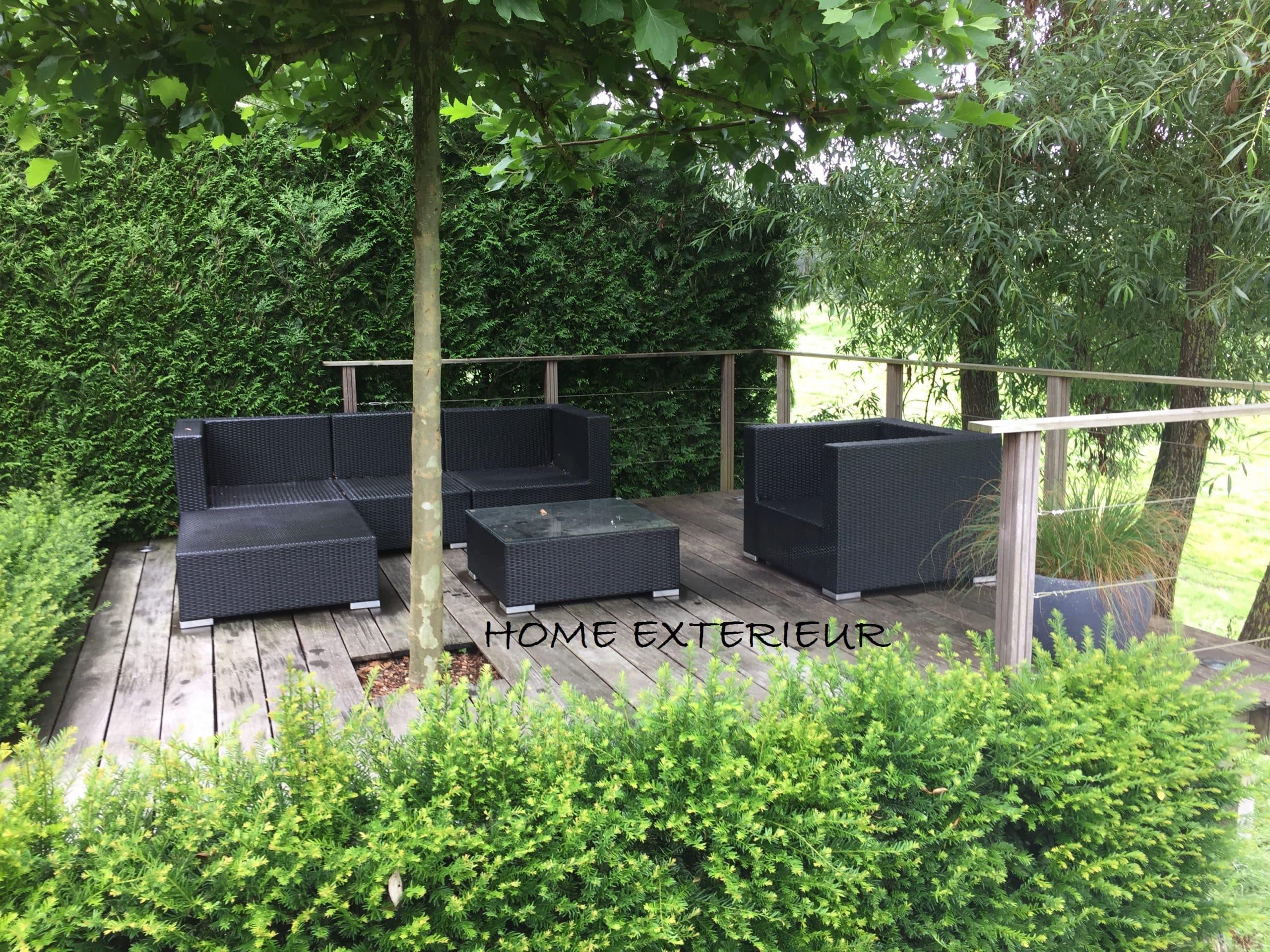 am nagement d 39 une terrasse suspendue en bois exotique. Black Bedroom Furniture Sets. Home Design Ideas